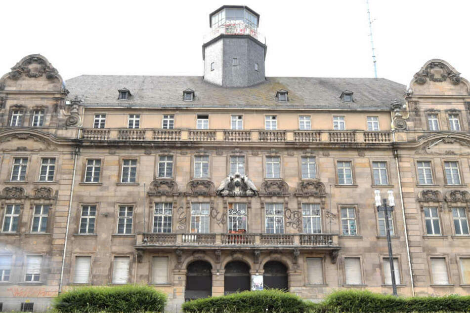 Das alte Polizeipräsidium in Frankfurt verfällt schon seit Jahren.