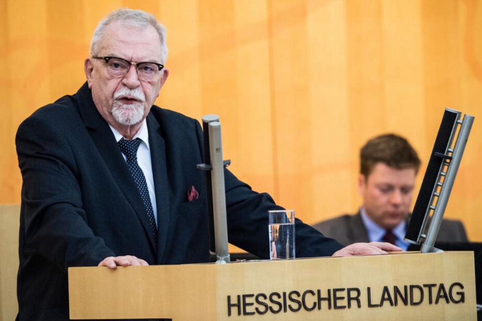 Karl Hermann Bolldorf (AfD), Abgeordneter seiner Partei im Landtag von Hessen, spricht am 5.02.2019 im Parlament.