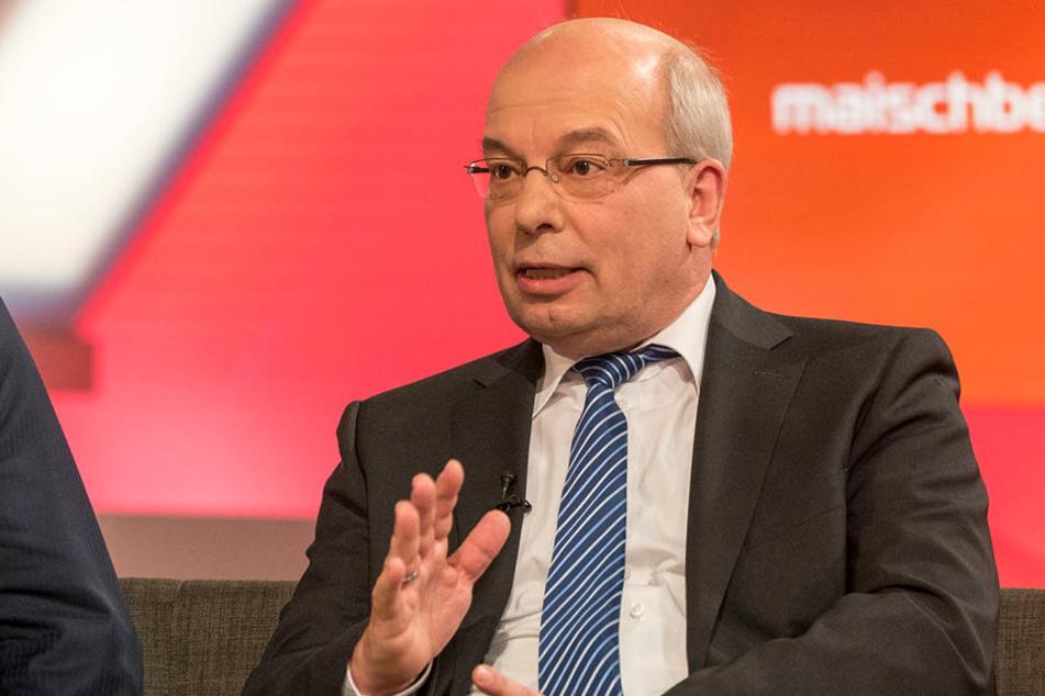 Rainer Wendt steht mächtig unter Druck. Nun macht die SPD-Regierung die Vorgänger verantwortlich.
