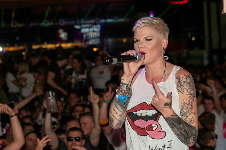 Melanie Müller (31) hat auch über den Jahreswechsel Auftritte.