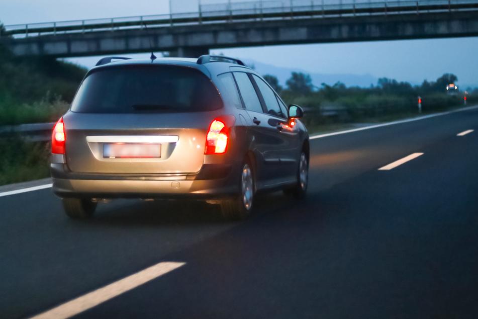 Steinschleuder-Angriff auf Autofahrer auf A3!