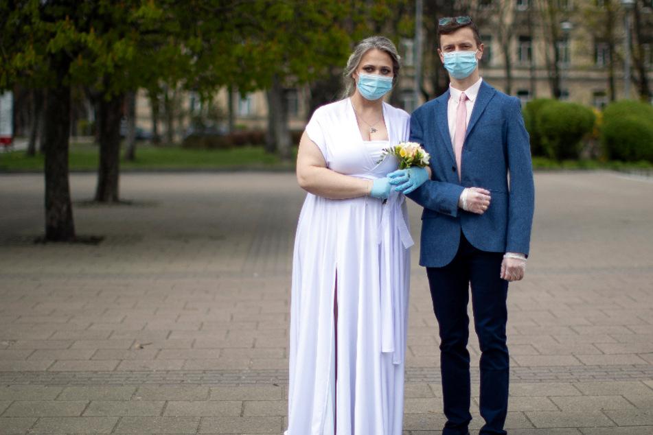 Heiraten in der Corona-Zeit: Keine Trauzeugen, viele Absagen