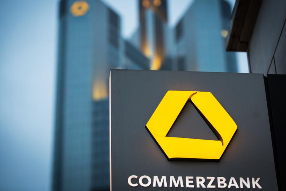 Commerzbank will rund 10.000 Stellen abbauen und Filialnetz fast halbieren