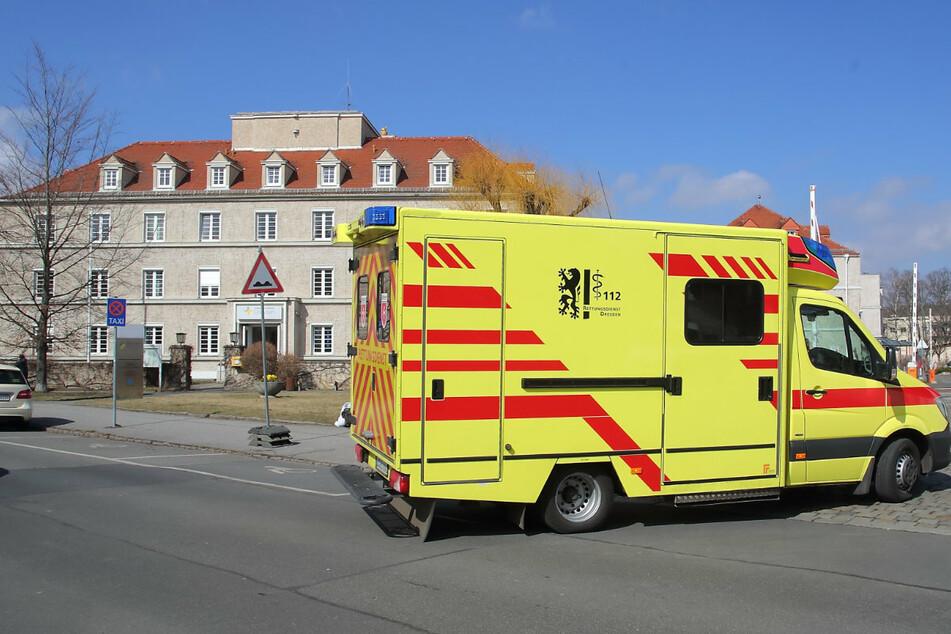 Der Klinikstandort Trachau soll von 364 auf zehn Betten geschrumpft werden. In das Haus im Bildhintergrund könnten Senioren einziehen.