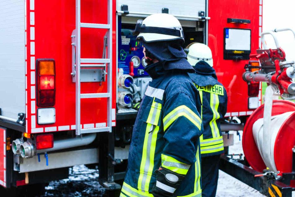 An dem Einsatz waren rund 100 Feuerwehrleute beteiligt (Symbolbild).