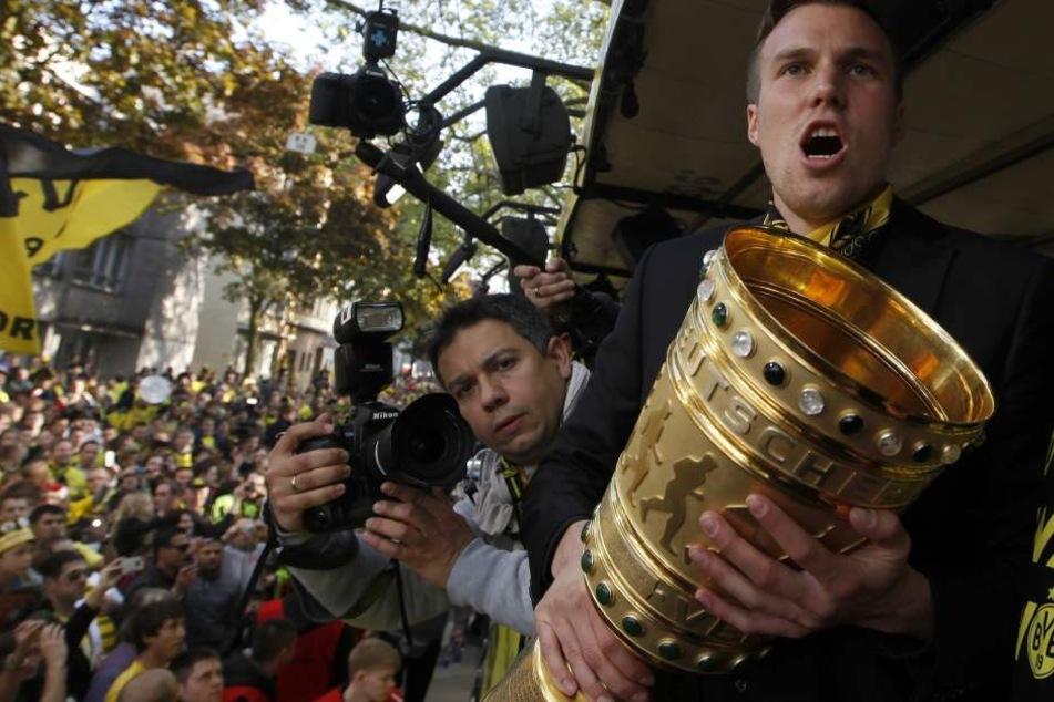 Ein Bild aus guten Zeiten: Großkreutz wurde mit dem BVB Pokalsieger und Deutscher Meister.