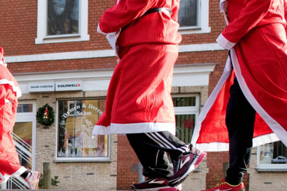 Der junge Mann war als Nikolaus verkleidet. (Symbolbild)