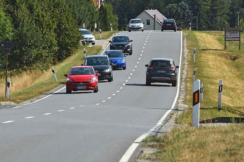 Die Bundesstraße 98 war zweimal Ziel des Irren.