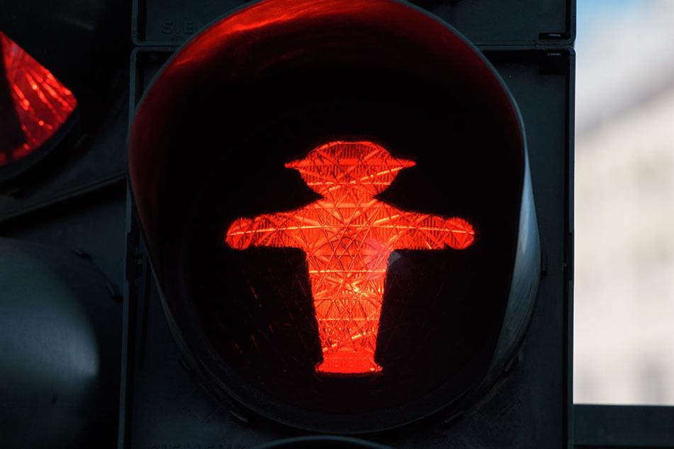 Bei Rot stehen bleiben. Sonst erlebt Ihr den Schock Eures Lebens.