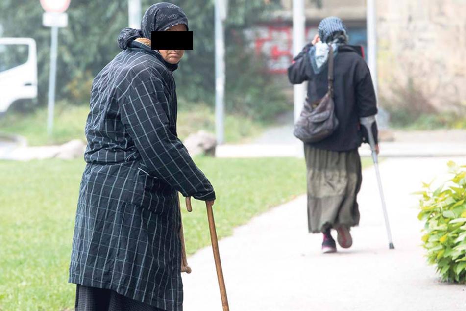 Diese alte Frau wurde von Hintermännern der Bettelmafia in die Innenstadt geschickt.