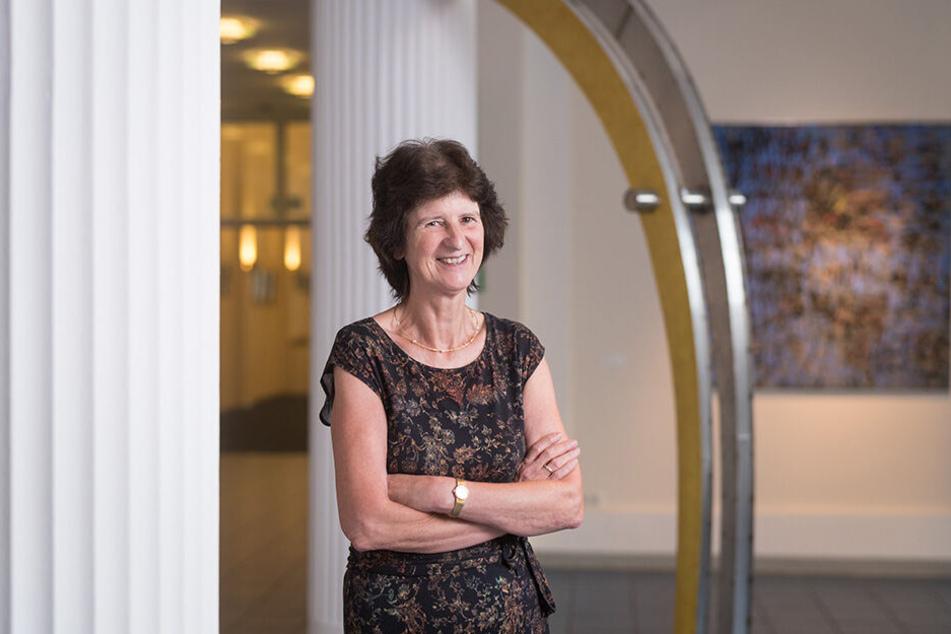 Noch Sachsen-Ministerin, bald in Politiker-Rente: Eva-Maria Stange (62, SPD) freut sich auf ihren Ruhestand.
