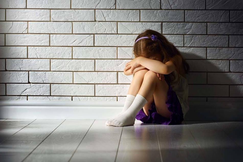 Beide Töchter einer Hallerin wurden von ihrem Ex-Partner vergewaltigt. Trotzdem hatte sie weiter Kontakt mit ihm.