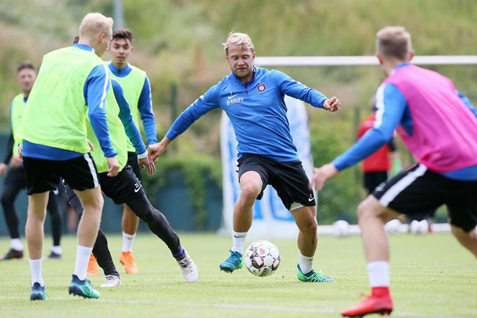 Gleich im ersten Training voll bei der Sache: Jan Hochscheidt. Er kehrte nach fünf Jahren in Braunschweig zurück.