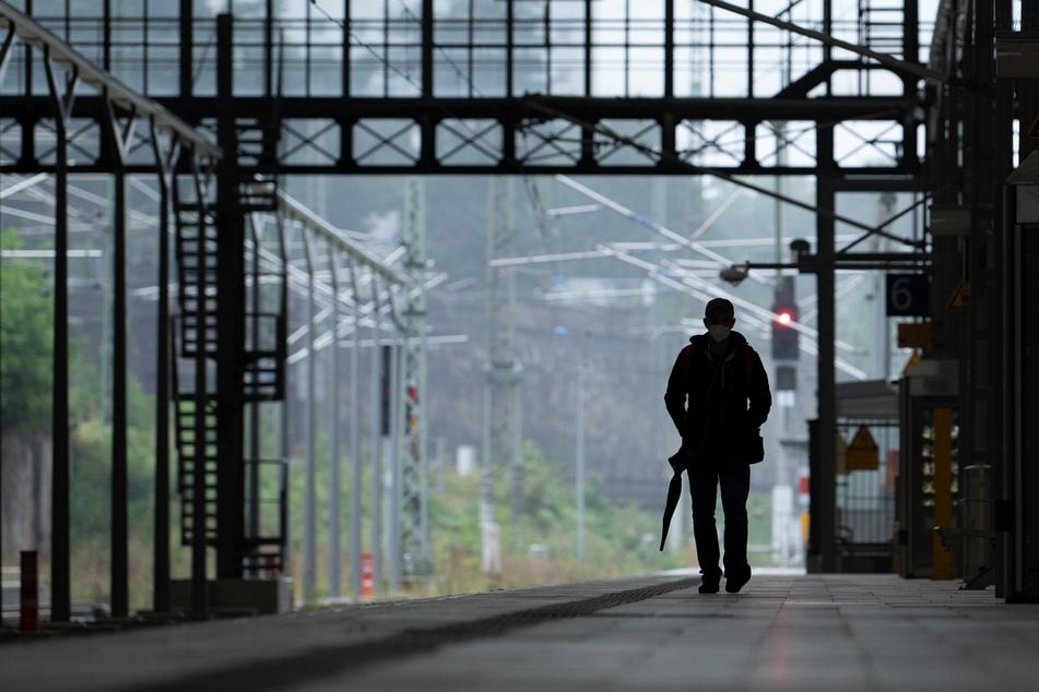 Leere Bahnsteige: Der Streik der Gewerkschaft Deutscher Lokomotivführer (GDL) ist wie geplant in der Nacht von Mittwoch auf Donnerstag angelaufen.