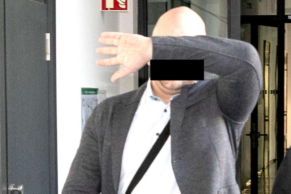 Fabian S. (34) ist vorbestraft, hat noch offene Verfahren und muss sich derzeit wegen Betrugs und Körperverletzung verantworten. Ihm droht eine Haftstrafe ohne Bewährung.