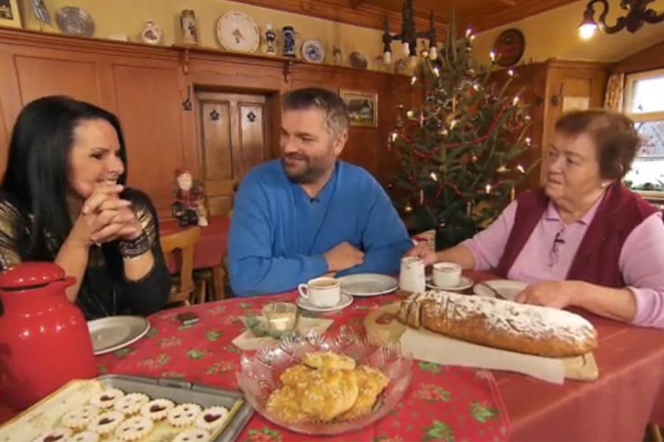 Christa, Klaus Jürgen und Anne Elise feiern in diesem Jahr gemeinsam Weihnachten.