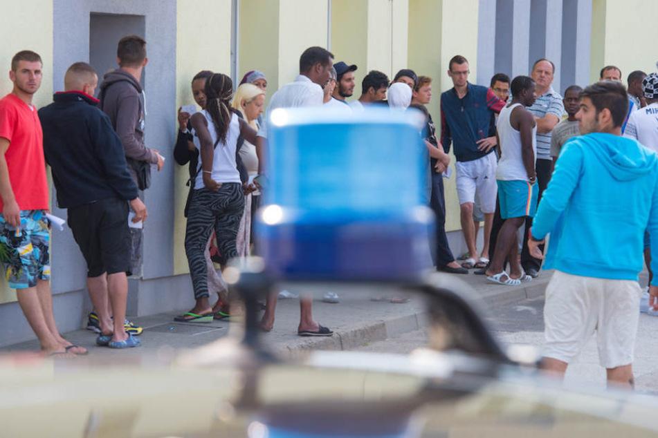 Massenschlägerei in Asylheim: Polizei stellt Messer, Besen und Bettpfosten sicher