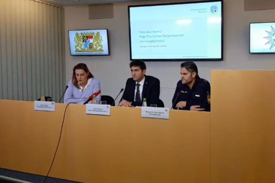 Staatsanwältin Anne Leiding, Kriminaloberrat Josef Wimmer und Polizei-Pressesprecher Marcus da Gloria Martins in der Pressekonferenz.