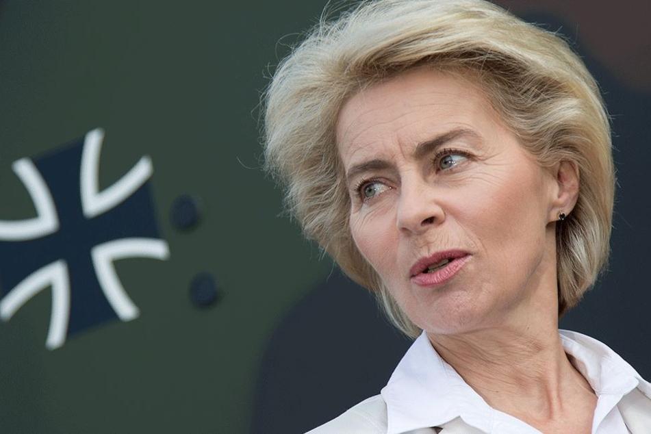 Weitet sich der Hitze-Marsch zu einem weiteren Skandal für die Verteidigungsministerin aus?