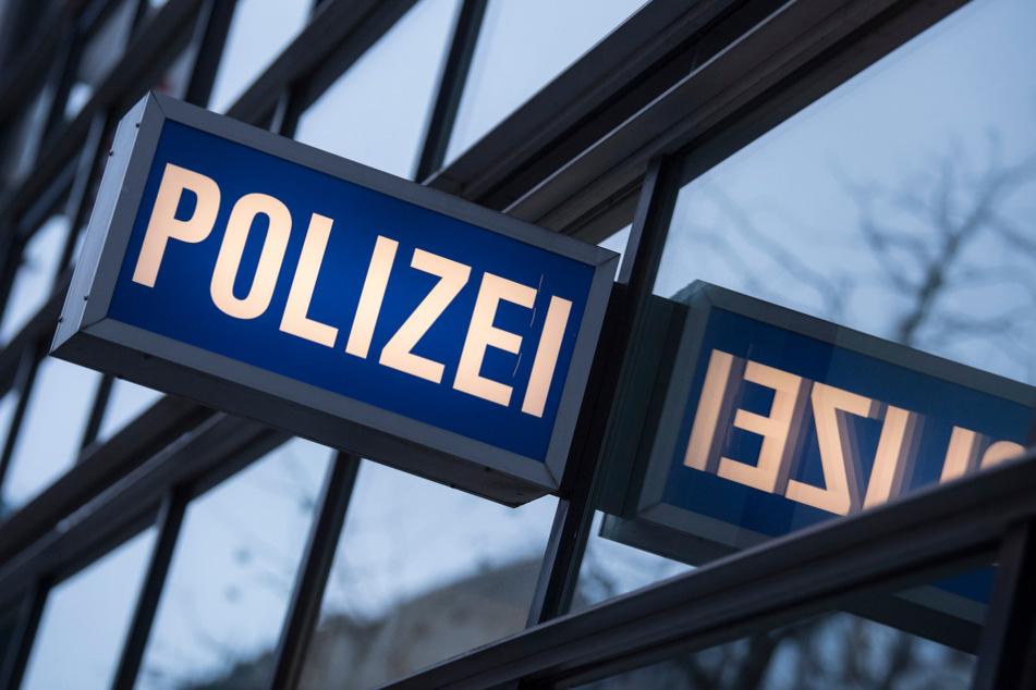 Zuvor war die Frau von der Polizei in der Innenstadt aufgegriffen worden (Symbolfoto).