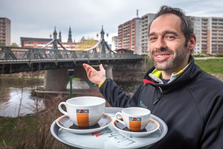 Alles ist bereit für das Café an der Paradiesbrücke: Wenn das Wetter  mitspielt, empfängt Mario Schultes (34) ab Ostern seine Gäste.