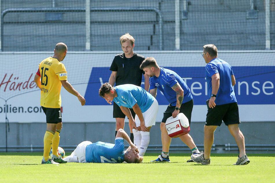 Neuzugang Robert Zickert von Lok Leipzig verletzte sich ebenso wie Linksverteidiger Paul Milde.
