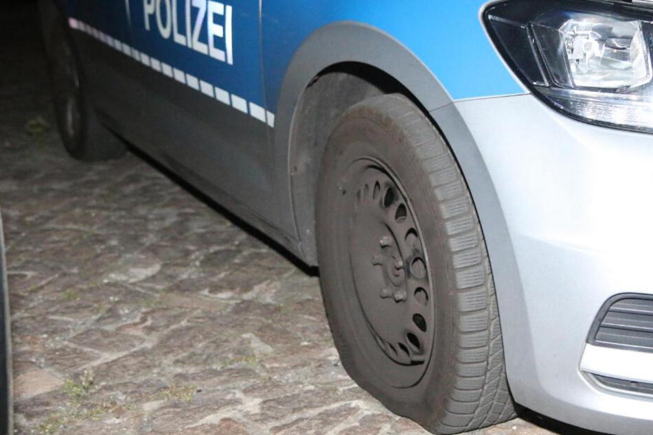 Fieser Streich im Problem-Kiez: Polizeieinsatz endet mit zerstochenem Reifen