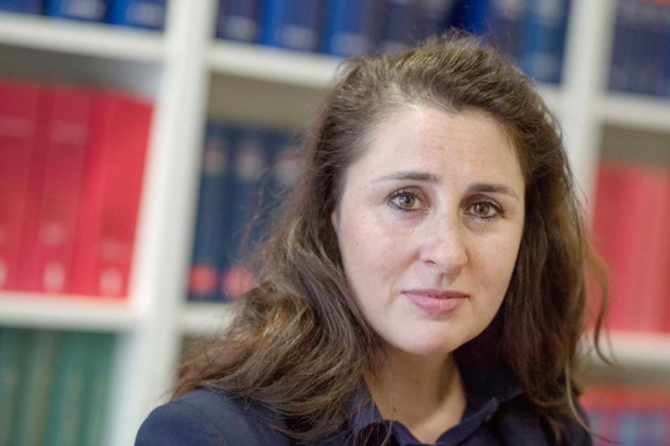 Die Chat-Gruppe wurde durch die Anzeige der Frankfurter Juristin Seda Basay-Yildiz gefunden.