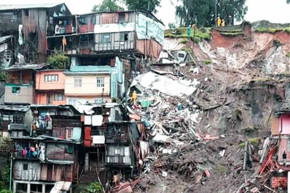 Bei den heftigen Erdrutschen kamen bislang in Kolumbien schon 16 Menschen ums Leben.