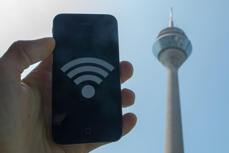 Andere Städte, etwa Düsseldorf, führten bereits vor Jahren flächendeckendes WLAN ein.