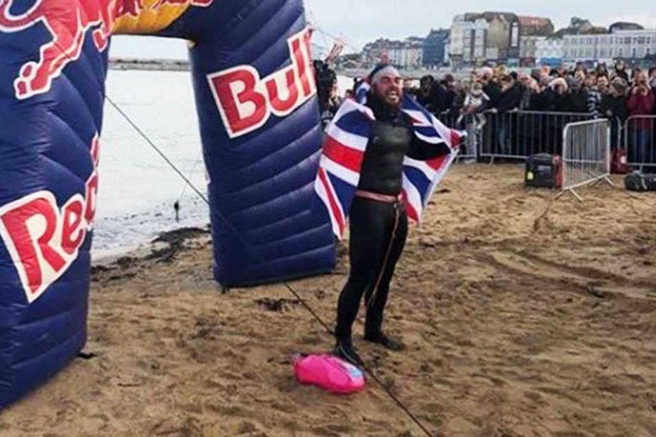 Was für eine Leistung! Ross Edgley (33) ist komplett um die britische Insel herumgeschwommen.