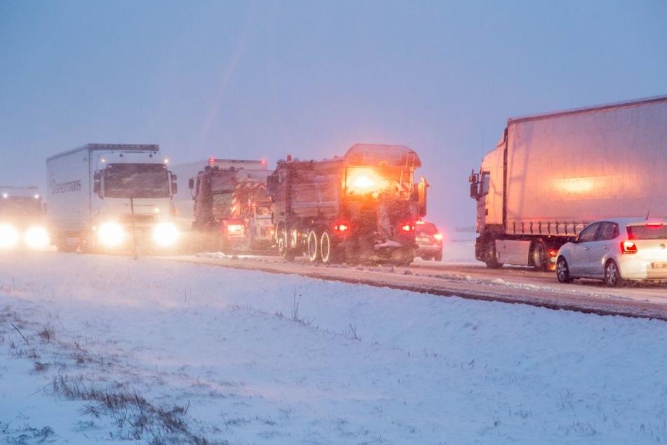 Der Winterdienst in Sachsen ist in Alarmbereitschaft.