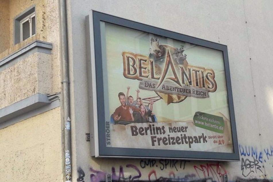 So hängen die Werbeplakate derzeit in Berlin.
