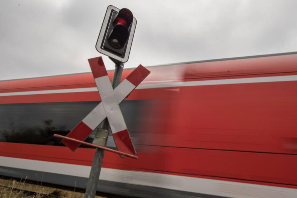 In der Regionalbahn saßen etwa 50 Fahrgäste (Symbolfoto).