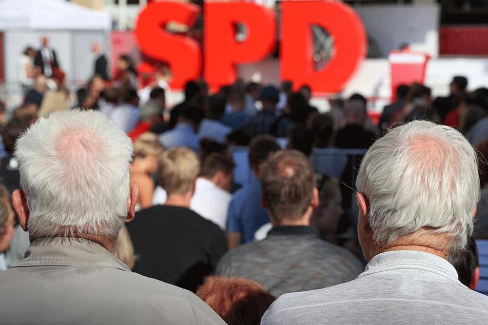 Rentner bei einer Wahlkampfveranstaltung der SPD.