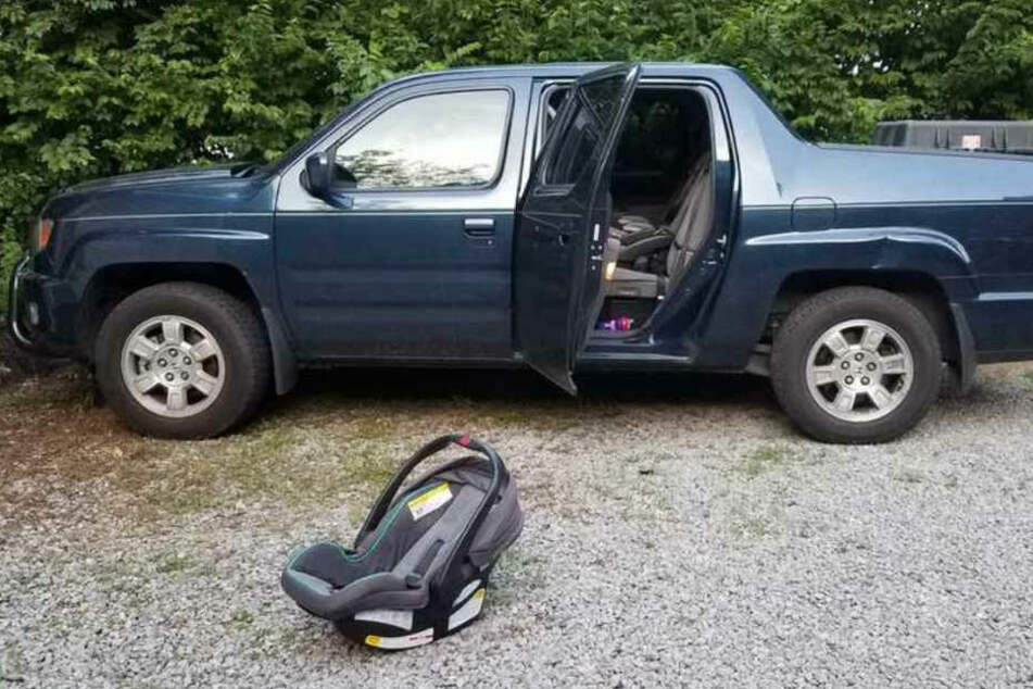 Die Polizei veröffentlichte Bilder des Pickups von Matt Barker.