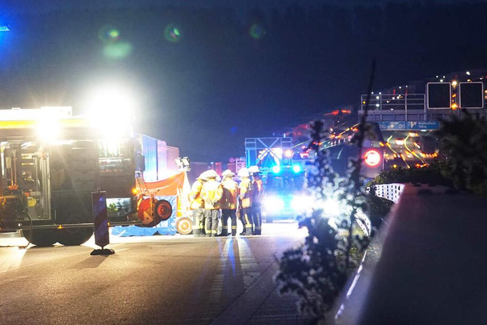 Tragisch! Im Baustellenbereich auf der A 81 nahe Stuttgart ist eine Frau ums Leben gekommen.