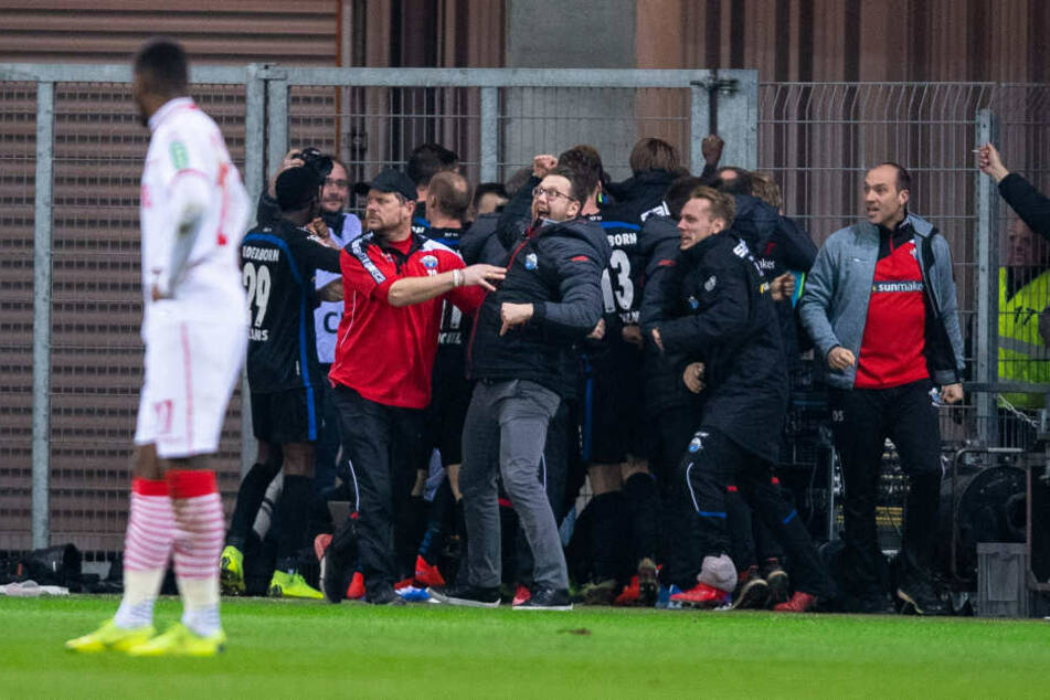 Ein trauriger Anthony Modeste nach dem späten Siegtreffer des SC Paderborn.