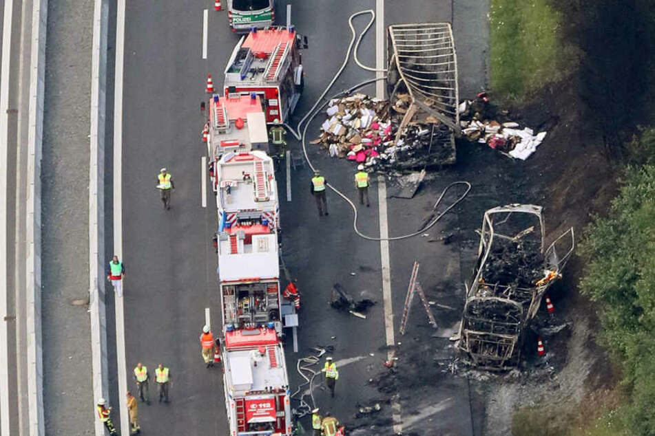 Sächsische Reisegruppe verunglückt auf Autobahn: 18 Tote