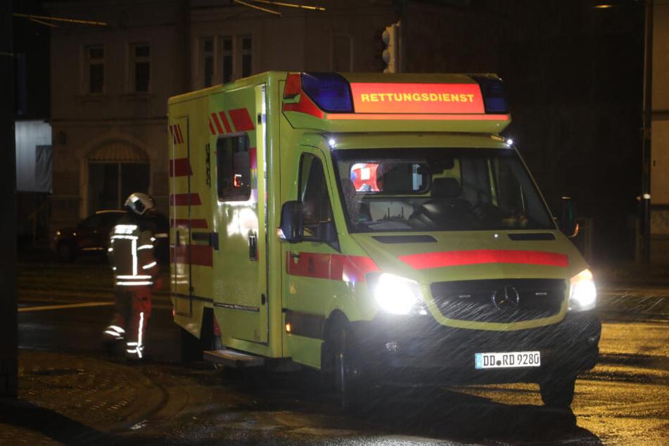 Per Rettungswagen kam ein Mann ins Krankenhaus.