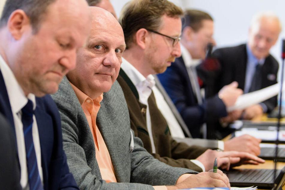 Markus Bayerbach (l.) fühlt sich durch die Worte von Markus Plenk beleidigt.