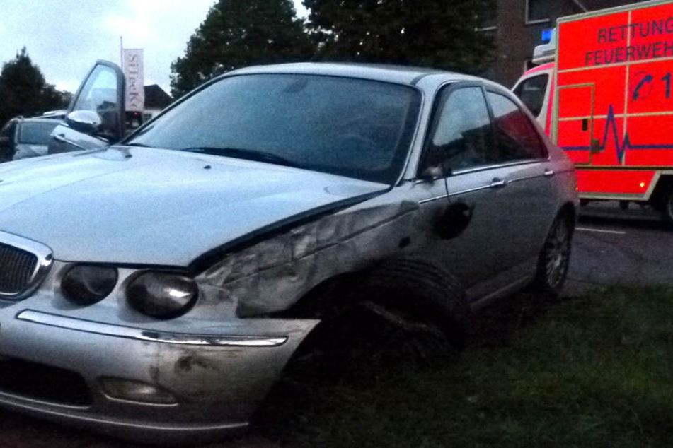 Das Auto der 24-Jährigen musste abgeschleppt werden.