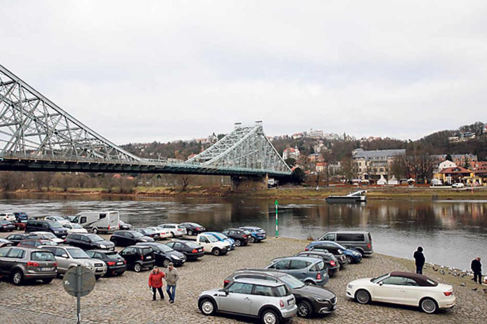 Am Mittwoch entscheidet der Stadtrat über die Zukunft der Parkplätze am Blauen Wunder.