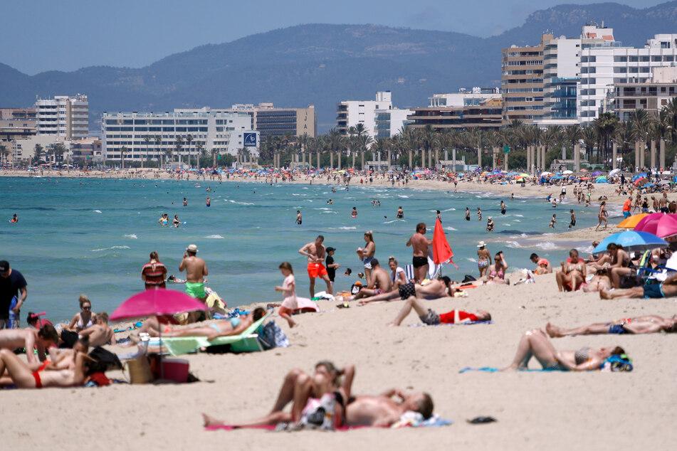 Nach Mallorca oder anderswohin in Spanien zu reisen, wird wieder einfacher: Ab kommender Woche braucht man dazu keinen PCR-Test mehr.