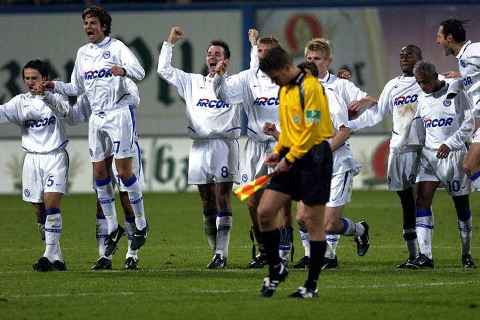 An der Ostsee soll der Grundstein für eine gute Saison gelegt werden, so wie 2003. Damals war es noch ein Duell zweier Bundesligisten. Die Umstände haben sich mittlerweile geändert.