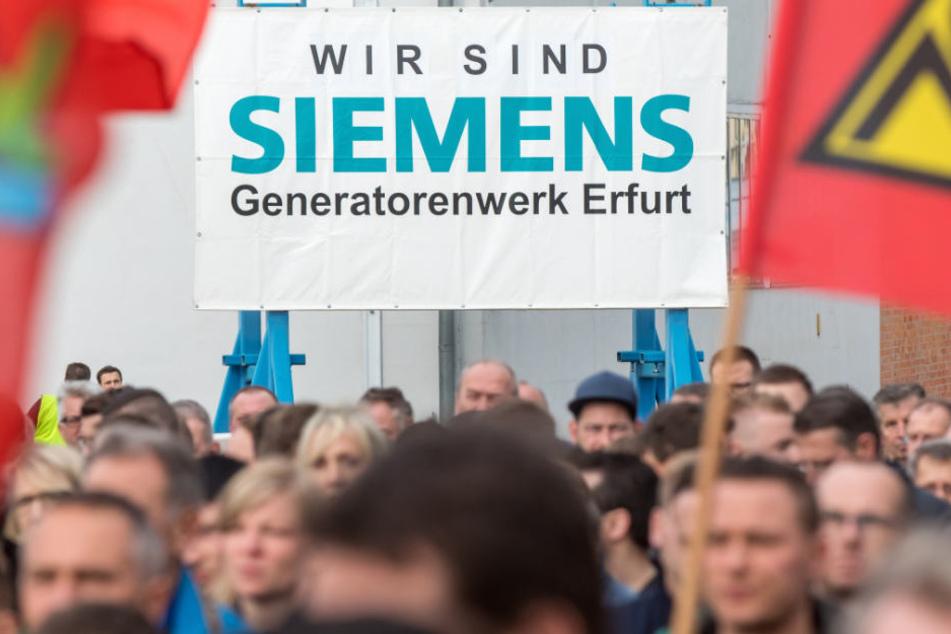 Wollen für ihre Arbeitsplätze am Standort Erfurt kämpfen: die Mitarbeiter von Siemens.
