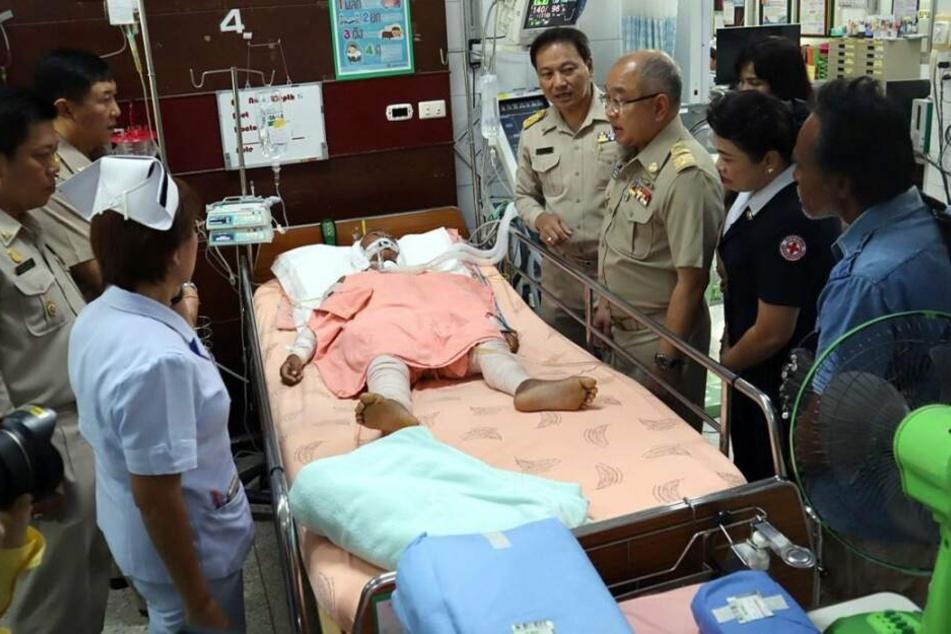 Viele Staatsbeamte besuchten den Siebenjährigen im Krankenhaus.