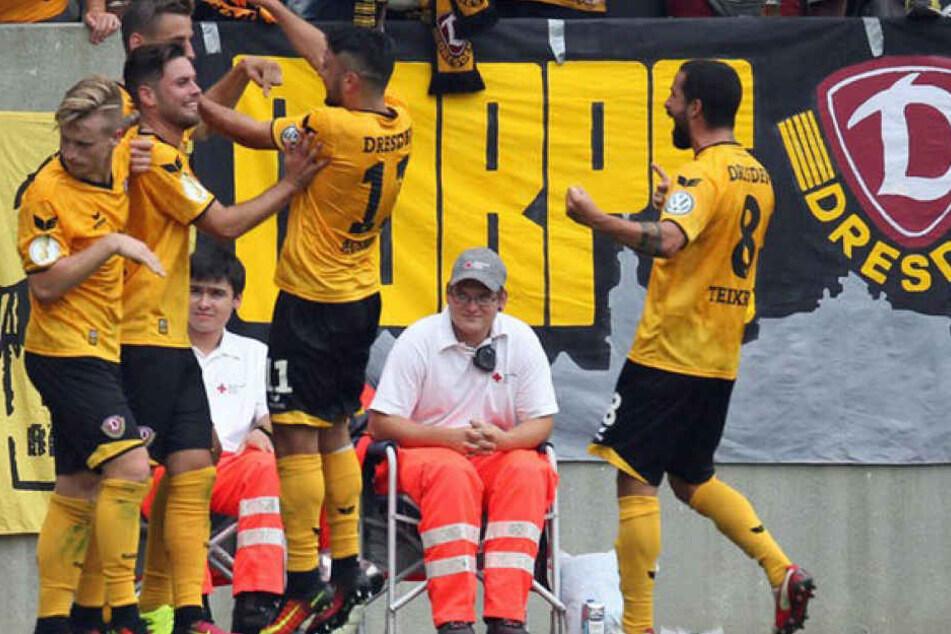 Der Bullenkopf-Skandal geschah während der Erstrundenpartie zwischen Dresden und Leipzig im DFB-Pokal.