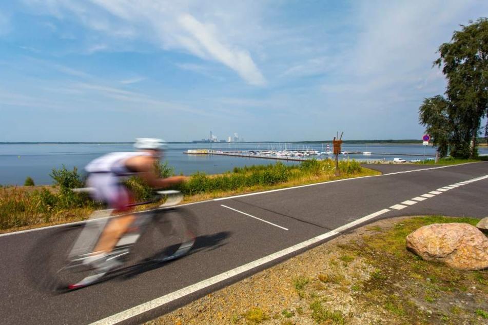 Asphaltierte Wege um Seen verleiten Fahrradfahrer häufig, mit überhöhten Geschwindigkeiten zu fahren. (Symbolbild)