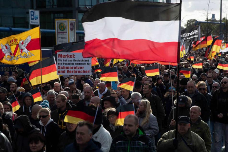Die Zahl der rechtsextremen Demonstranten ist deutlich gestiegen. (Symbolbild)